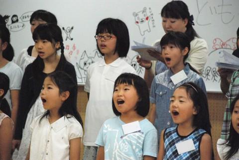 歌う子供たち